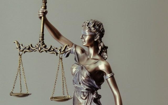 Corte Suprema de EE.UU. limita derechos legales de indocumentados que pidan asilo - Foto de Tingey Injury Law Firm para Unsplash