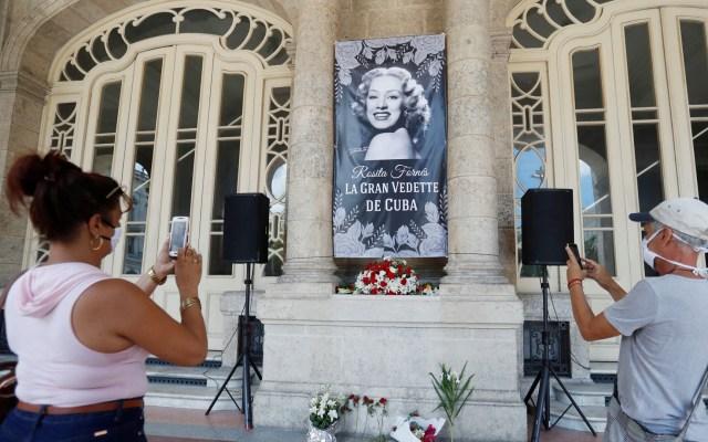 Cubanos dan último adiós a la famosa vedette Rosita Fornés - Los admiradores de Rosita Fornés pudieron verla por última vez en el teatro José Martí de Cuba. Foto de EFE