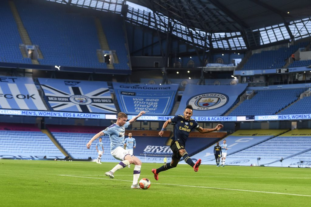 Errores de David Luiz facilitan triunfo al Manchester City - Foto de EFE