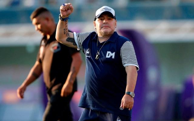 Maradona continuará como entrenador de Gimnasia y Esgrima hasta 2021 - Maradona