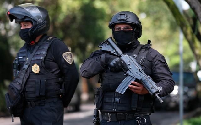 Trasladan a cuatro detenidos por atentado contra García Harfuch al Hospital Rubén Leñero - Foto de EFE