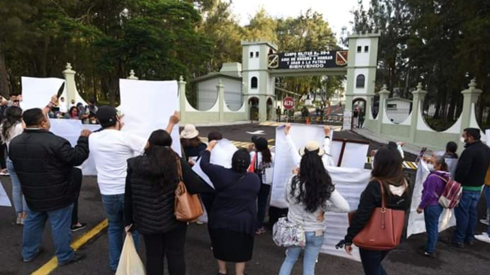 #Video Protestan contra López Obrador durante visita a Xalapa, Veracruz - Foto de Yahir Ceballos/AVC Noticias