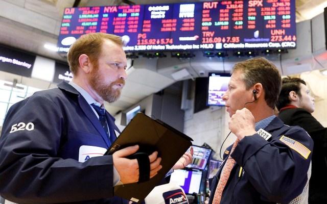 Wall Street remonta en la última hora y Dow Jones sube 1.18 % - Wall Street bolsa corredores Estados Unidos