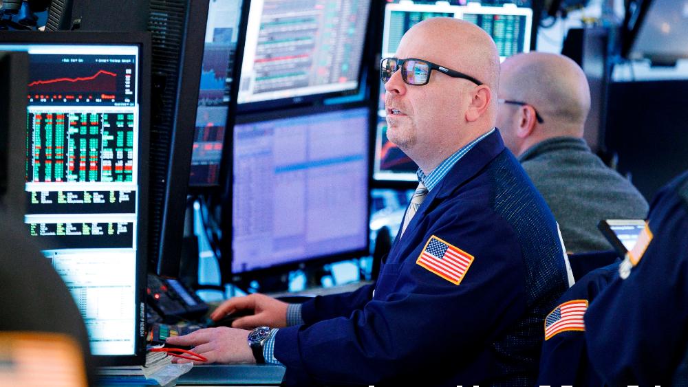 Wall Street cierra con pérdidas y Dow Jones cae 2.84 % por repunte de COVID en EE.UU. - Foto de EFE