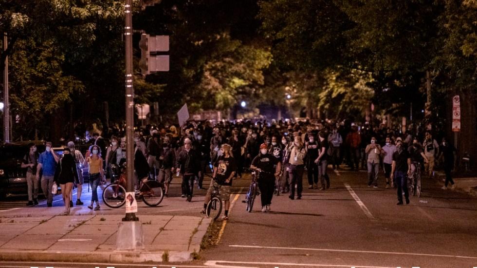 EE.UU. vive nueva noche de disturbios cuando se cumple una semana de la muerte de Floyd - Foto de EFE