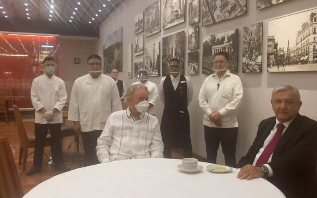 #Video AMLO visita 'El Cardenal'; agradece a empresarios que han actuado con solidaridad durante pandemia - AMLO en 'El Cardenal'. Captura de pantalla