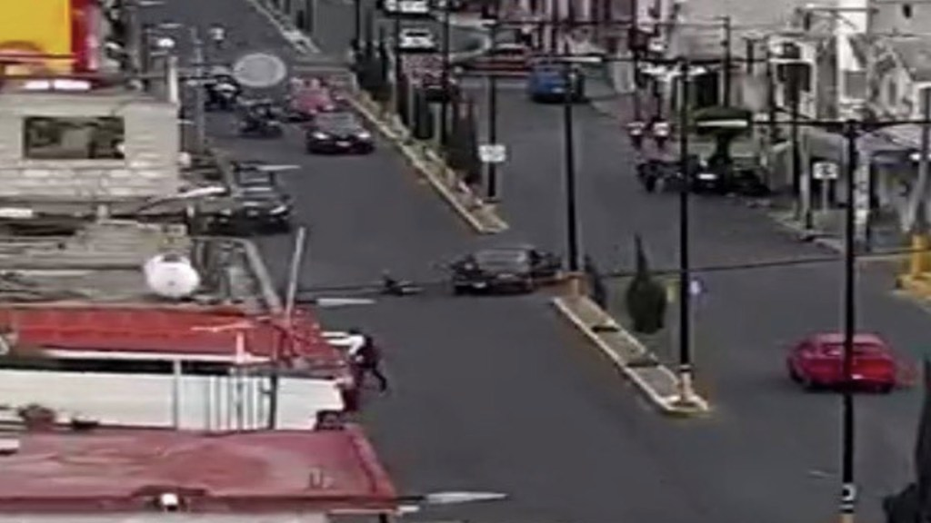 #Video Gracias a cámaras del C5, detienen a conductor que atropelló a mujer y niños en Valle de Chalco - Foto de @SS_Edomex