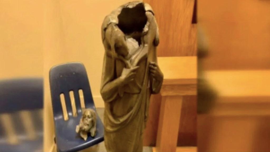 Decapitan estatua de Jesús en iglesia de Miami - Foto de Noticieros Televisa