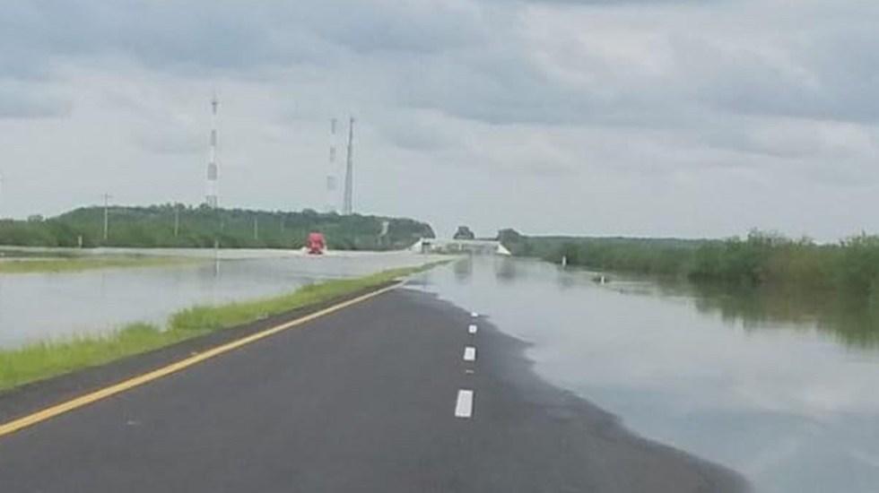 Cierran autopista Monterrey-Reynosa por aumento en nivel del río Ayancual - Encharcamiento en la autopistaMonterrey-Reynosa. Foto de @GN_Carreteras