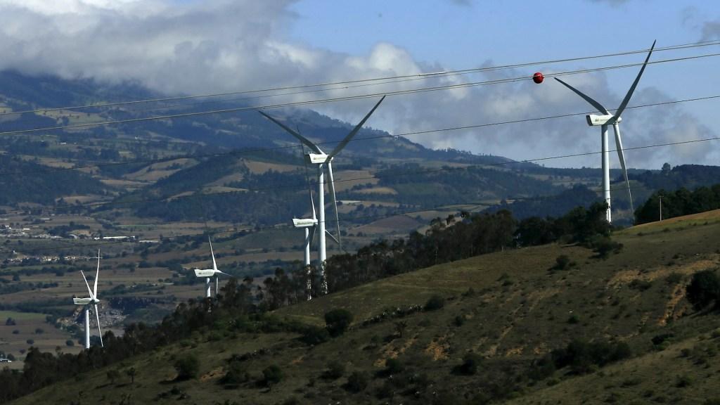 Tribunal federal suspende aumento en tarifas a energía renovable - Energía Eólica renovable México electricidad