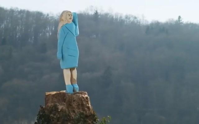 Incendian estatua de Melania Trump en Eslovenia - Estatua Melania Eslovenia