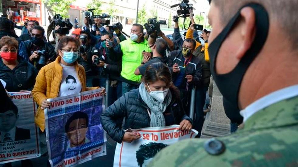 Tras reunión con AMLO, padres de normalistas confían que nuevos hallazgos sean el inicio de una nueva ruta en el Caso Ayotzinapa - familiares ayotzinapa amlo