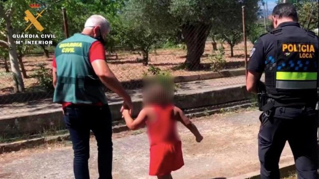 Detienen a hombre que abandonó a niña en una carretera de España para ir por gasolina - Foto de EFE