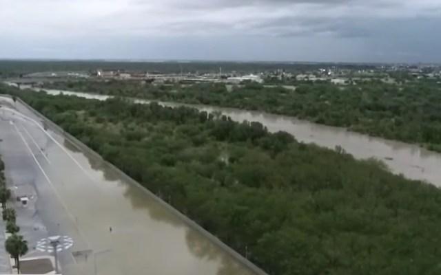 Se desborda el Río Bravo; evacuan a familias en Tamaulipas - Inundación del Puente Internacional Reynosa Hidalgo por desbordamiento del río Bravo. Captura de pantalla / Foro Tv