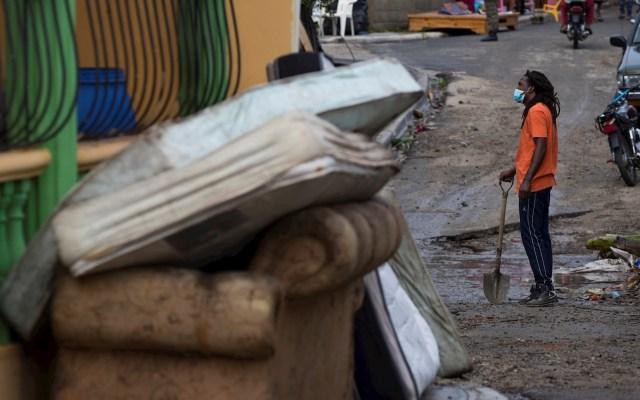 Cientos de dominicanos se quedan sin hogar tras paso de Isaías - Isaías República Dominicana huracán