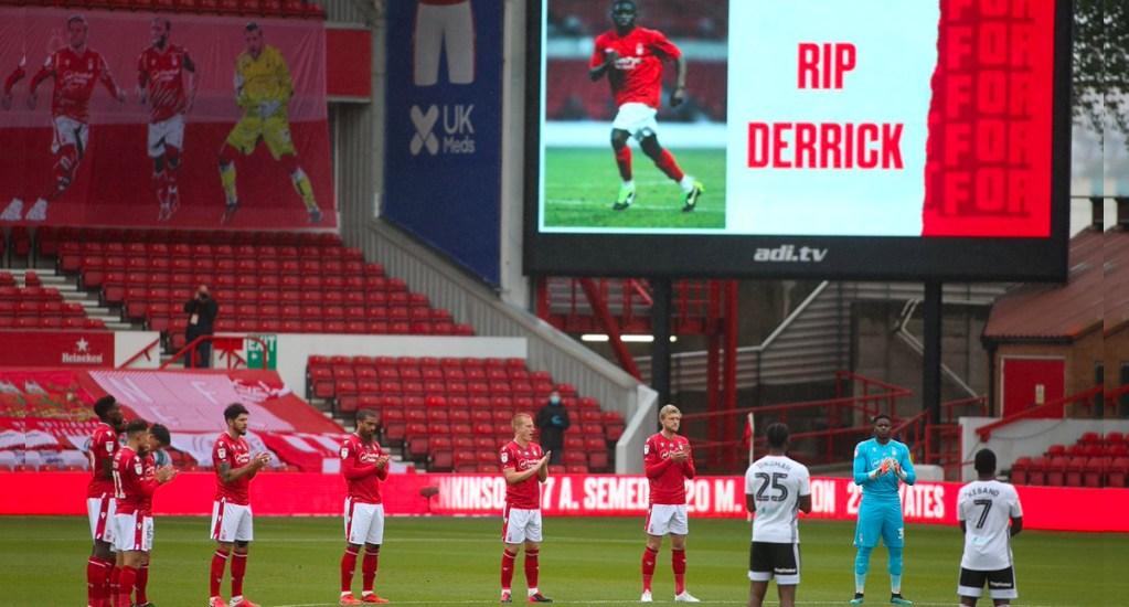 Muere ahogado exjugador del Nottingham Forest en lago de Carolina del Sur - Jugadores del Nottingham Forest FC rindió un minuto de aplausos en honor a Derrick Otim