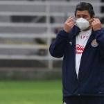 Luis Fernando Tena, entrenador de Chivas, sufre de COVID-19