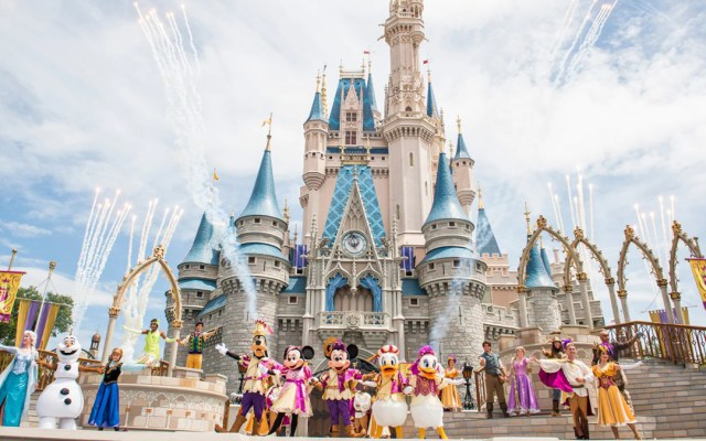 Disney despedirá a 32 mil empleados debido a la crisis por el COVID-19 - Magic Kingdom Park. Foto de Walt Disney World Resort