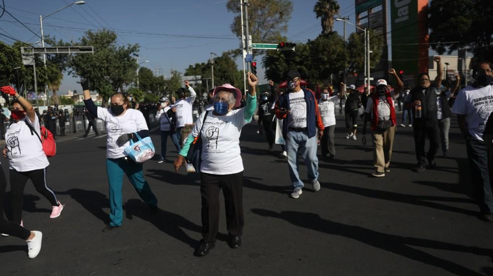 Damnificados de sismo en 2017 en la Ciudad de México piden más avances en reconstrucción - Manifestación de damnificados del sismo del 19 de septiembre de 2017 en la Ciudad de México. Foto de EFE