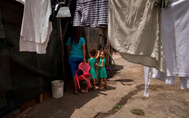 Crisis en Venezuela pone a la mujer como mercancía - Mujer en Venezuela