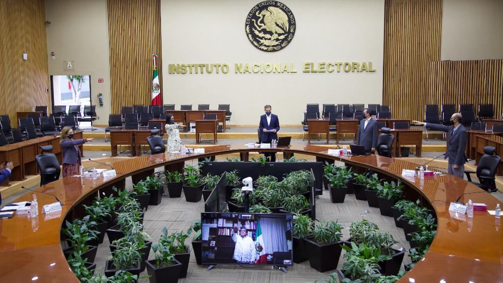 """Elección de consejeros electorales, un paso para vivir """"una auténtica democracia"""", afirma Mario Delgado - Foto de INE"""