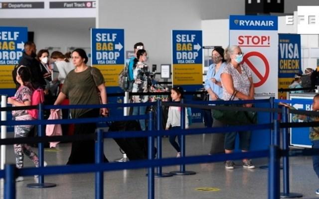 Pasajeros de España, Francia, Alemania e Italia, exentos de cuarentena al llegar a Inglaterra - Foto de EFE