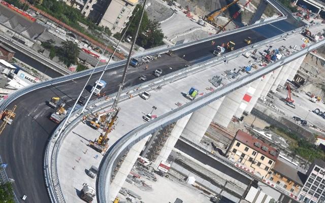 Reconstruyen puente vehicular de Génova, Italia - Vista general del nuevo puente vehicular de Génova, después de que el puente de la autopista Morandi se derrumbó parcialmente el 14 de agosto de 2018, matando a un total de 43 personas. Foto de EFE