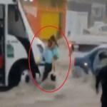#Video Chofer rescata a niñas pequeñas de inundación en Saltillo