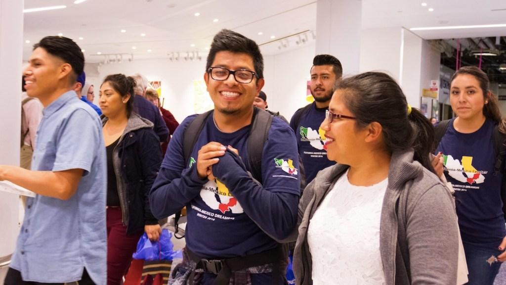 Ya se podrán entregar visas estudiantiles para Estados Unidos, confirma embajador Landau - Foto de EFE