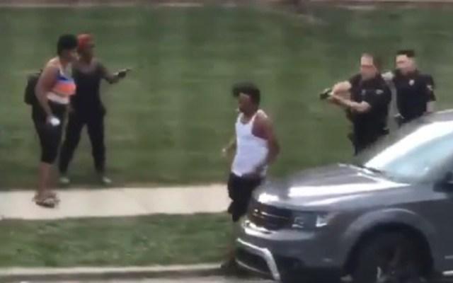 #Video Policía de EE.UU. dispara siete veces a afroamericano por la espalda - Afroamericano baleado por la espalda en Wisconsin. Captura de pantalla
