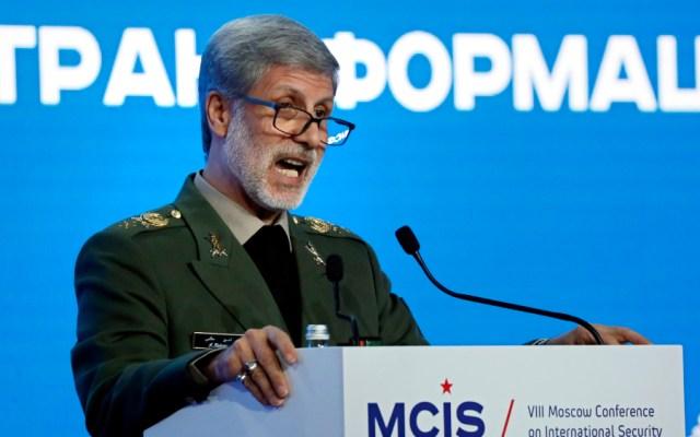Irán presenta nuevos misiles balístico y de crucero entre la tensión con EE.UU. - El ministro de Defensa iraní, Amir Hatamí. Foto de EFE