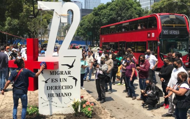 Recuerdan con antimonumento la masacre de 72 migrantes en San Fernando, Tamaulipas - Foto de @AntiMasde72