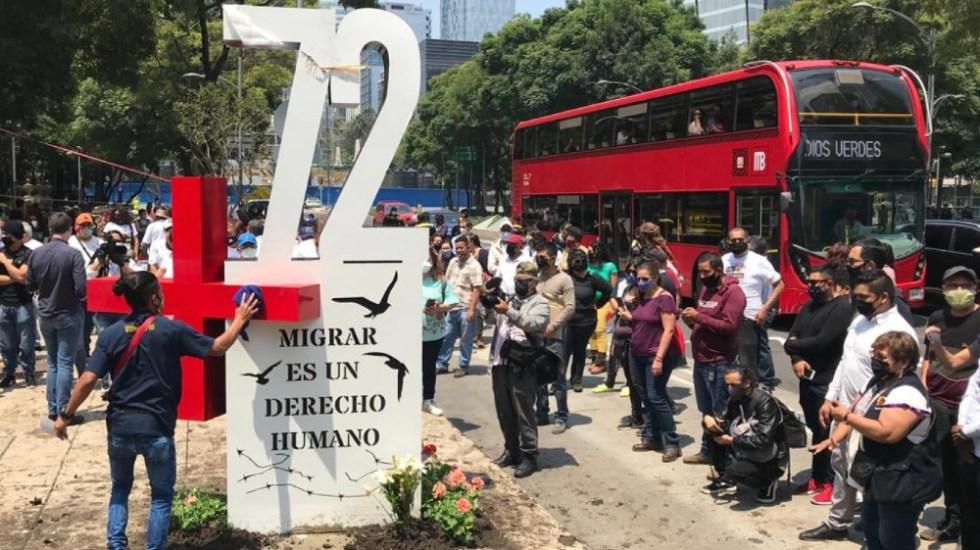 ONU pide mayor protección a migrantes a 10 años de masacre de San Fernando - Antimonumento en homenaje a los migrantes asesinados en San Fernando, Tamaulipas. Foto de @AntiMasde72