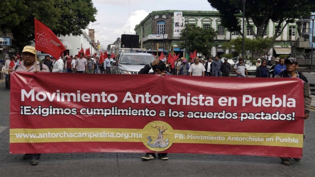UIF congela cuentas de líderes de Antorcha Campesina - Foto de Síntesis Puebla