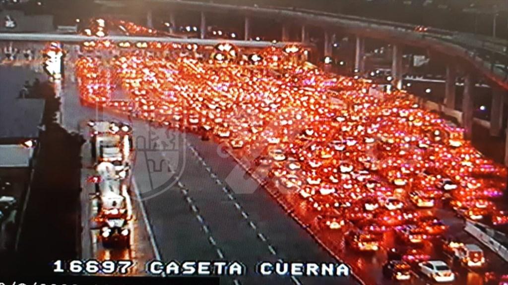 Saturan la México-Cuernavaca pese a restricciones por COVID-19 - La Caseta de la Cuernavaca-México, en dirección a Ciudad de México. Foto de C5 CDMX.