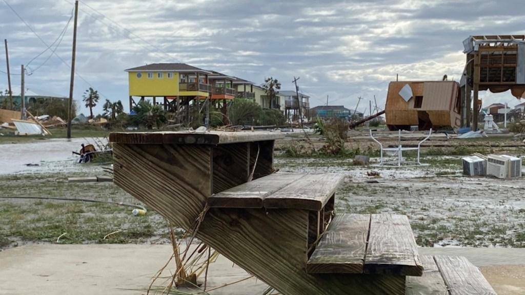 Laura se degrada a tormenta tropical y continúa su avance por Luisiana y Arkansas - Foto de Jeff Eling para ABC