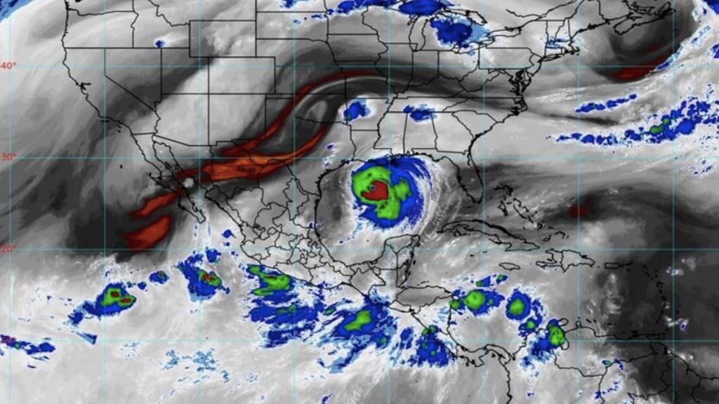 Se forma depresión tropical Trece-E en el Pacífico; provocará lluvias torrenciales en tres entidades - Foto de SMN