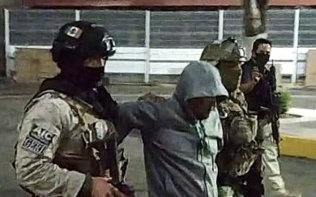 """""""Siempre vamos a ganar los buenos""""; embajador Landau celebra captura de 'El Marro' - 'El Marro' tras detención en Guanajuato. Foto de FGE Guanajuato"""