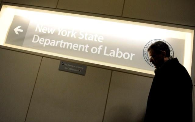 Desempleo en EE.UU, baja un punto en un mes y queda en el 10.2 % en julio - Foto de EFE