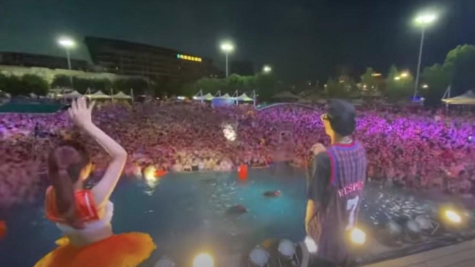 #Video Realizan fiesta en parque acuático de Wuhan, cuidad donde se detectó el COVID-19 - Fiesta en parque acuático de Wuhan. Captura de pantalla