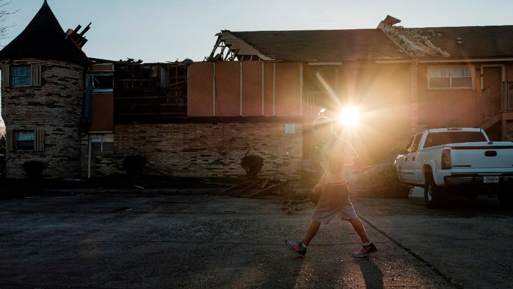 Huracán 'Laura' deja quince muertos en EE.UU. y miles se quedan sin electricidad - Foto de EFE