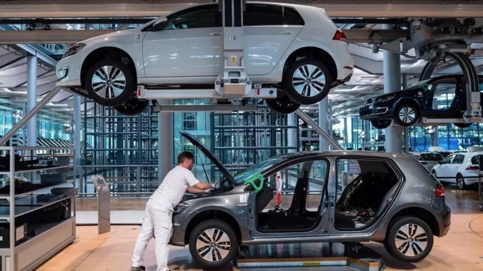 Producción industrial en México cae un 9 % anual en agosto; en comparación mensual acumula tres meses al alza - Foto de Bloomberg