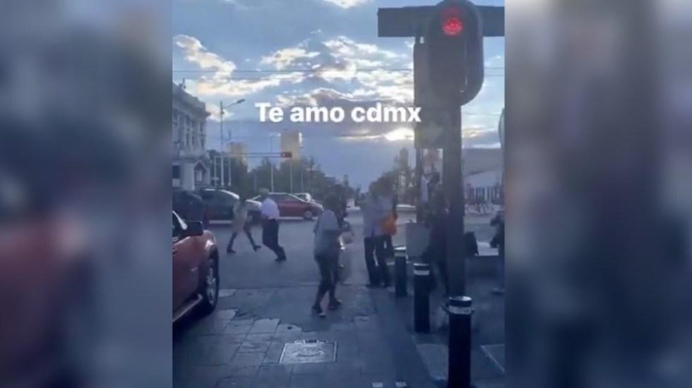 #Video Bailan 'La Chona' en calles del Centro Histórico de la CDMX - Foto de @Ashauri