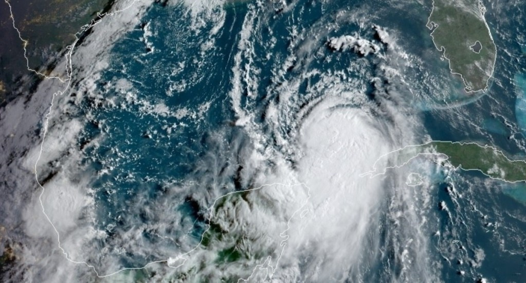 Laura se fortalece a su paso por el Golfo de México; podría provocar severos daños en Texas - Laura tormenta tropical Estados Unidos Golfo de México