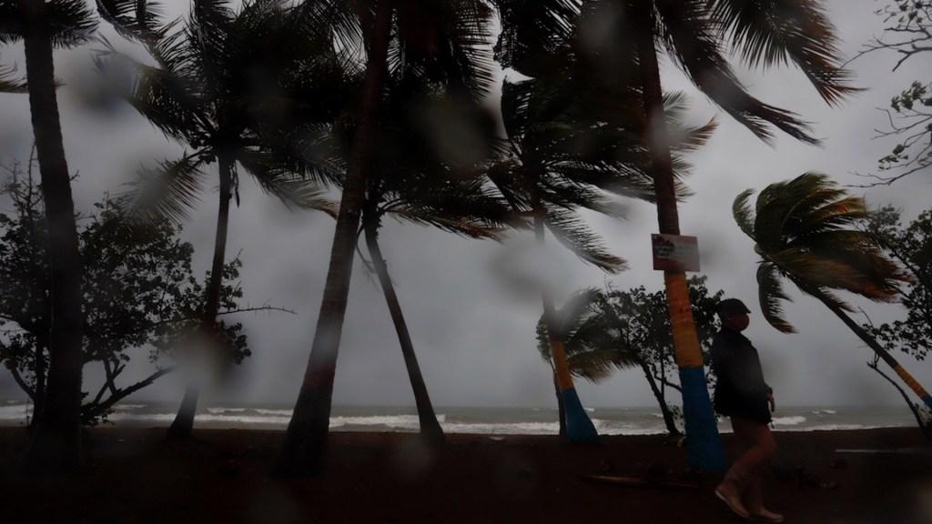 Marco se aproxima a Luisiana como tormenta tropical; Laura deja al menos 13 muertos en el Caribe - Foto de EFE