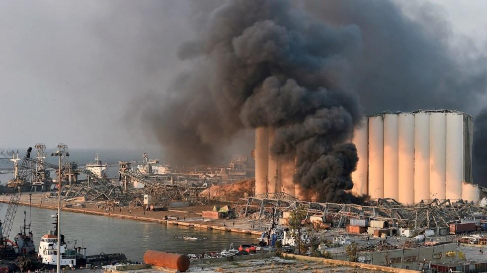 """""""Innumerable"""" número de muertos y heridos por fuerte explosión en Beirut - Foto de EFE/EPA/WAEL HAMZEH."""
