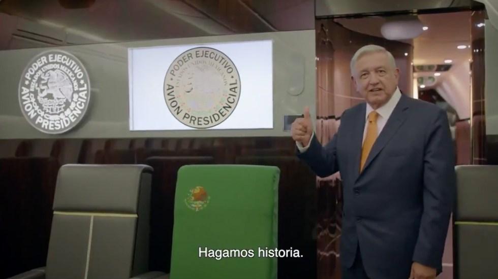 AMLO asegura que se subió al avión presidencial porque se necesita vender 'cachitos'