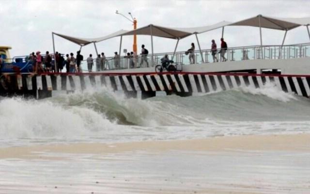 Tormenta tropical 'Marco' provoca fuerte oleaje en la Península de Yucatán; activan Alerta Amarilla en Quintana Roo - Foto de Noticaribe