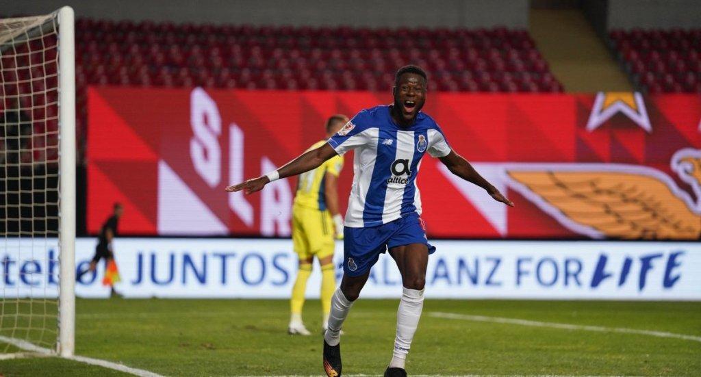 Porto de 'Tecatito' Corona logra el doblete tras lograr la Copa de Portugal - Foto de @FCPorto