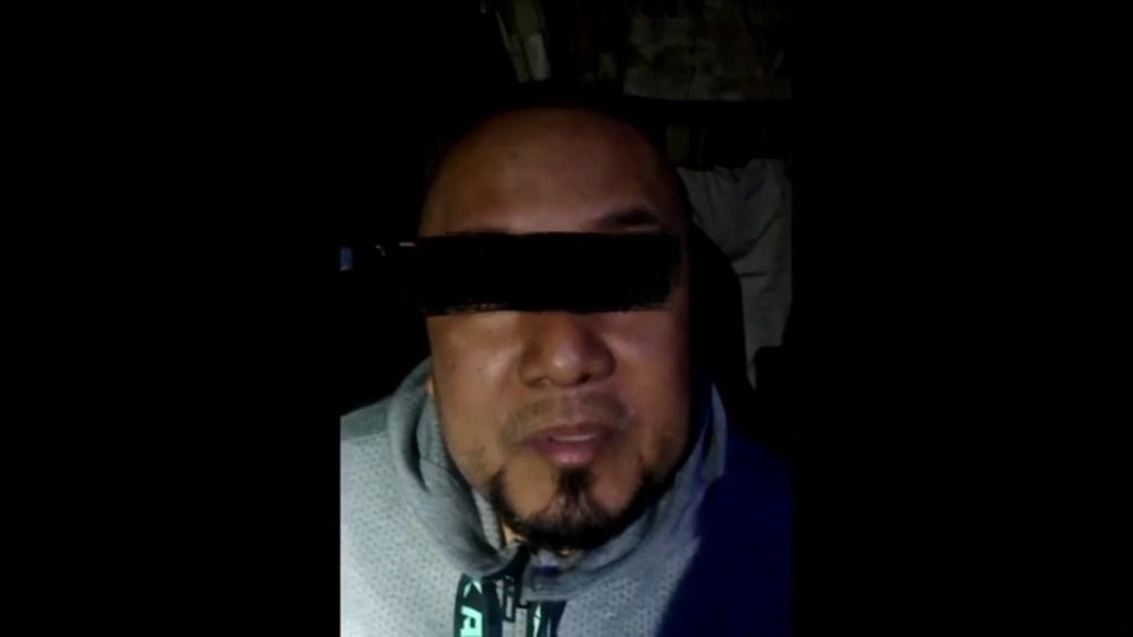 Trasladan a 'El Marro' al penal del Altiplano - Primer interrogatorio a El Marro tras su detención. Foto de Noticieros Televisa
